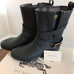 Burberry Rainboot Black Mid Buckle
